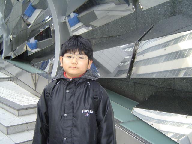 渋谷マークシティを出たところで下の子