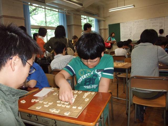 麻布中学・高校文化祭の将棋部にて4枚落ちで勝った下の子